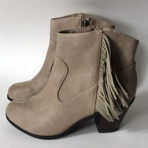 Sam & Libby Ankle Boots Size 6